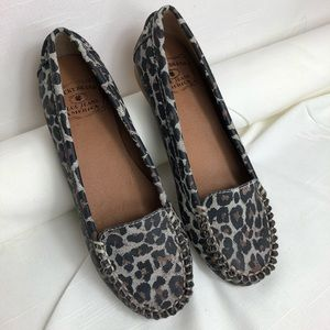 Lucky Brand Leather Leopard print Loafer size 6